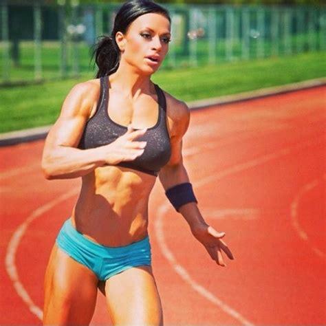 ashley horner female athletic fitness body sprint build exercises weight models track run training age height coconut ab theathleticbuild pancakes