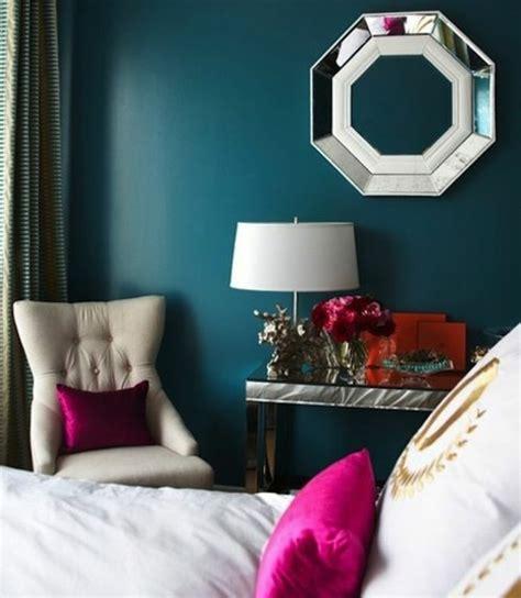 decoration chambre peinture murale 1001 id 233 es pour une chambre bleu canard p 233 trole et paon sublime