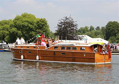 Small Restaurant Boats For Sale by Classic Wooden Cruisers For Sale Vintage Wooden Boat For