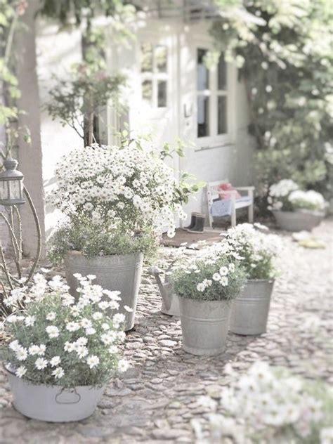25+ Best White Cottage Ideas On Pinterest