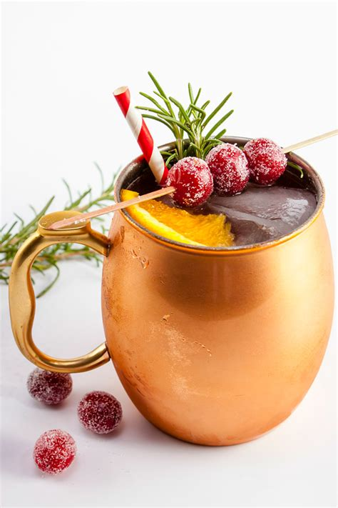 holiday cocktails 32 best christmas cocktail recipes easy alcoholic