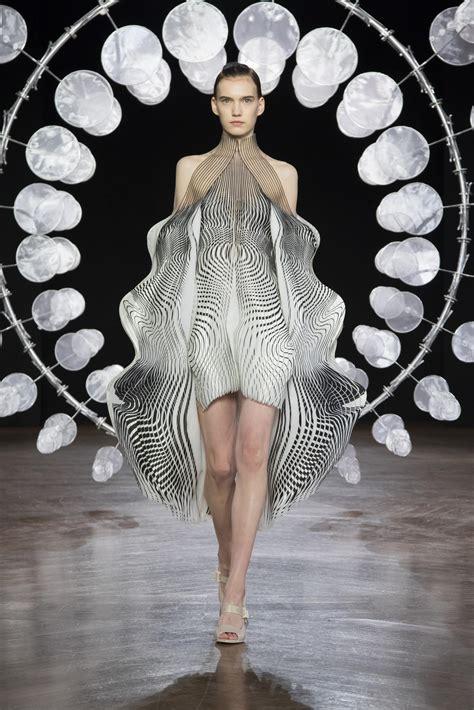 iris van herpen haute couture fall winter