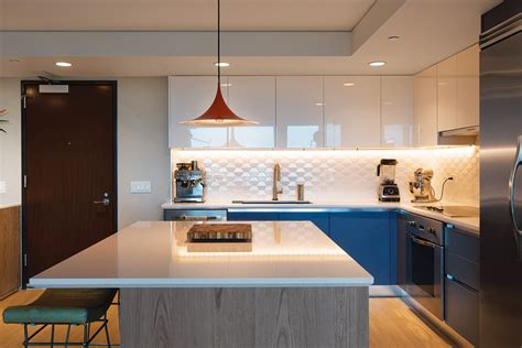 Kitchen Furniture Honolulu by A Downtown Honolulu Condo Kitchen Gets A Contemporary