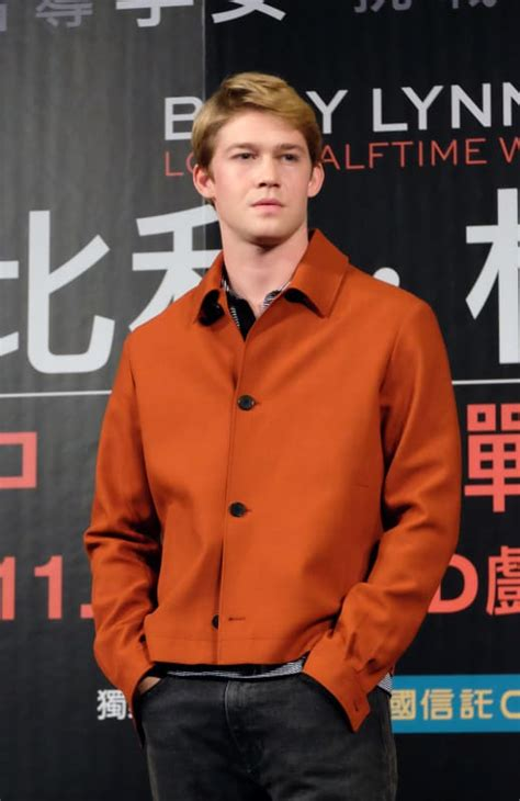 Joe Alwyn: 13 Things to Know About Taylor Swift's New ...