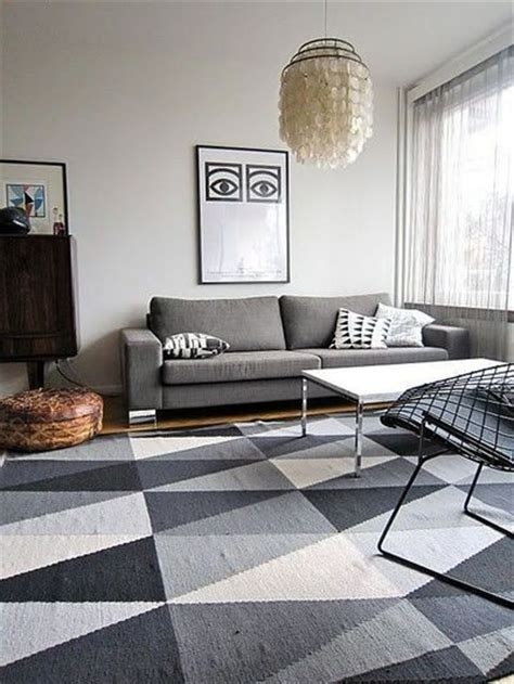 20 Triangle Ornamented Rugs for Your Apartment   MessageNote