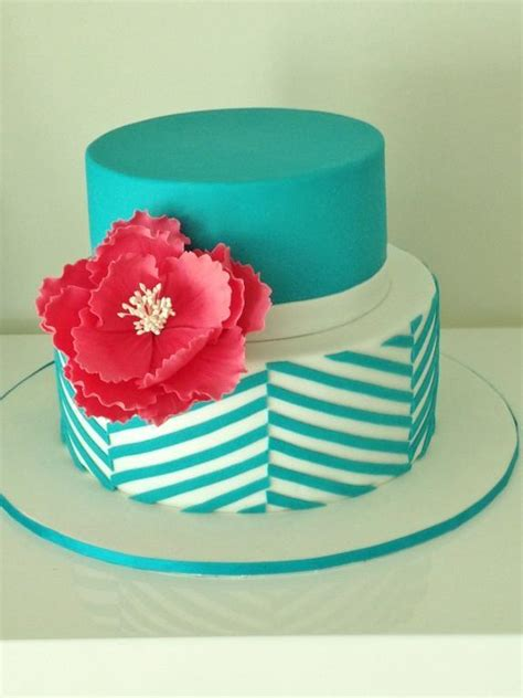 easy cake ideas clean simple cake design a craftsy online cake decorating class