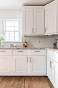 Cabinet Bar Pulls by Best 25 White Kitchen Cabinets Ideas On Pinterest