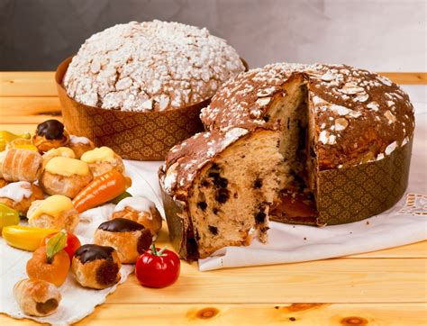 italys  sweet christmas breads panettone