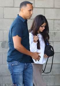 Justin Bieber baby: Selena Gomez shows strain over Mariah ...