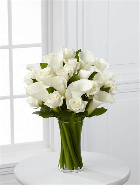 white flower table l white roses simple arrangement google search