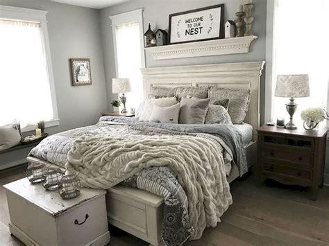 Use a piece of art to bring your décor to the next level. 53 Farmhouse Wall Decor Ideas for bedroom (30) - Ideaboz
