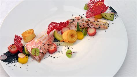 cuisine gastronomique restaurant vue mer en bretagne restaurant gastronomique de la pointe mathieu