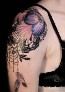 Feminine Shoulder Tattoo Designs