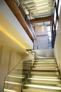Gestaltung Treppenhaus Bilder : beleuchtung treppenhaus l sst die treppe unglaublich sch n ~ Lizthompson.info Haus und Dekorationen