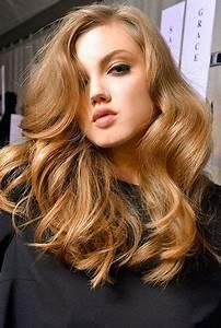 Light Hair With Strawberry Highlights Big Bounce Honey Hair Color Honey Hair