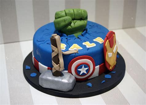 Avengers endgame marvel superhero iron man captain america hulk thor birthday cake design ideas for kids decorating tutorial video by rasna. Avengers themed Birthday Cake - Bakealous