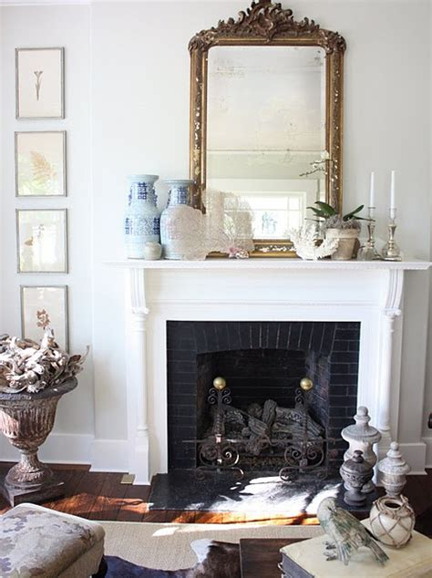 haus design decorating  winter  urns