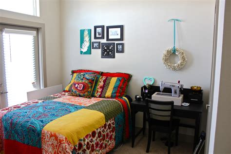 college bedroom decorating ideas wall decor ideas for college apartment decorating cool