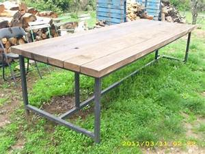 Table Exterieur En Bois : table d 39 exterieur en bois ~ Teatrodelosmanantiales.com Idées de Décoration