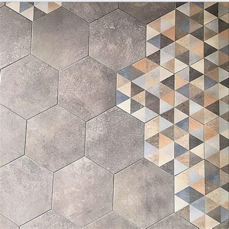 as de carreau carrelage carrelage hexagonal tomette grise vieillie 23x26 6cm rift cemento