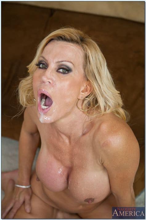Hot Milf Porn Star Amber Lynn Swallowing Jizz Moms Archive