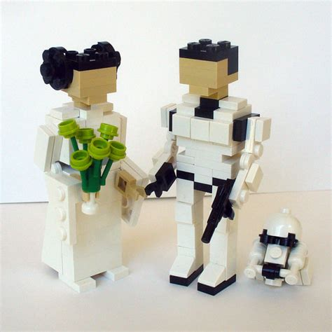 romantically nerdy wedding cake toppers  robots voice