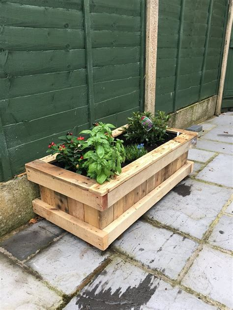 pallet planter repurposed pallet wood planter pallet ideas recycled upcycled pallets furniture projects