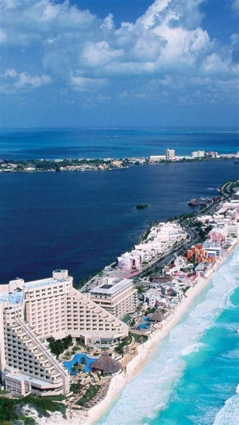 Cancun Mexico Lagoon On One Side The Caribbean Sea
