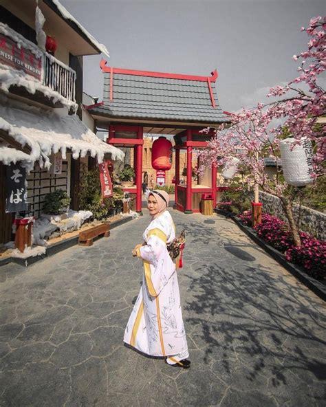 Jika berlibur ke bukit sakura kemiling ini kamu tidak perlu khawatir karena sarana selfie disini cukup memadai lho. Tempat Wisata Selfie Bernuansa Jepang | KASKUS