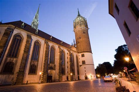 Sachsen ist der östlichste bundesstaat deutschlands und hat mit seinen museen, konzerten und kunsthandwerk eine besondere anziehungskraft auf kulturliebhaber. UNESCO-Welterbe in Sachsen-Anhalt - so weit das Auge ...
