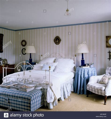 Bedroom Wallpaper Country by Country Bedroom With Striped Wallpaper And