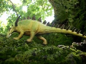 Lexovisaurus (CollectA) | Dinosaur Toy Blog
