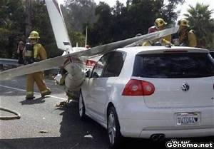 Queue De Poisson Voiture : un avion lui fait une queue de poisson p crash d avion accident entre un avion et une voiture ~ Maxctalentgroup.com Avis de Voitures