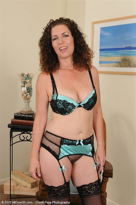 Curly Haired Milf Tammy Sue Caress Her pink Slit Milf Fox