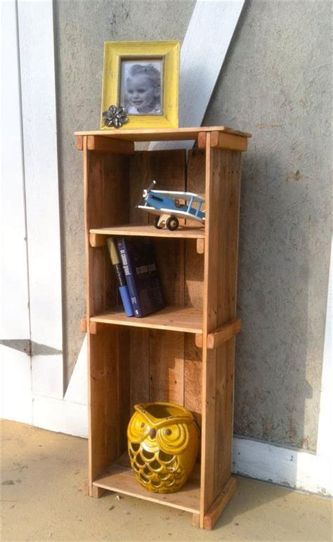 bookshelf out of pallets rustic bookshelf out of pallets wood 101 pallets