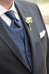 Rede Zur Goldenen Hochzeit Vom Bräutigam : die ansteckblume vom br utigam mit einer kleinen rose ~ Watch28wear.com Haus und Dekorationen