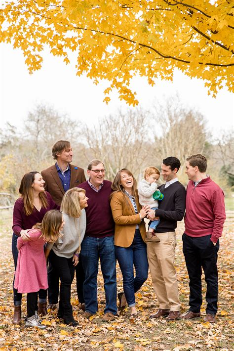 Large Fall Family Photo Shoot With Adult Children at ...