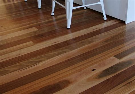 Spotted Gum Timber Flooring   Sanding and Polishing