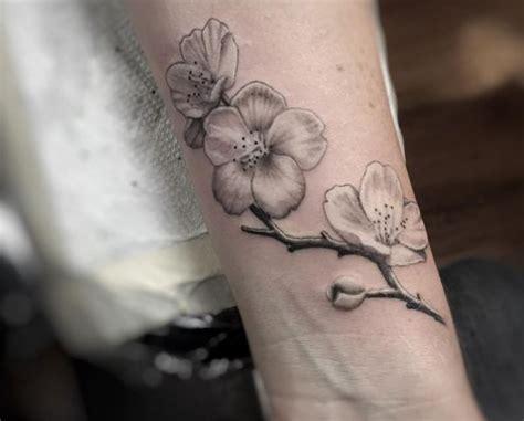 Kirschblüten Tattoo Designs Mit Bedeutungen