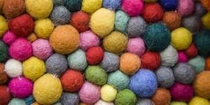 feutre laine bouillie et laine cardee des idees de With faire un tapis en boule de feutre