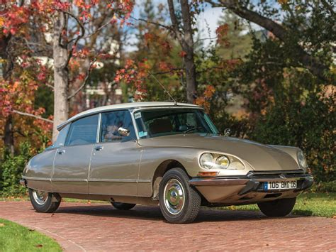 Why Aren't The 1955–75 Citroën Ds And Id Worth More