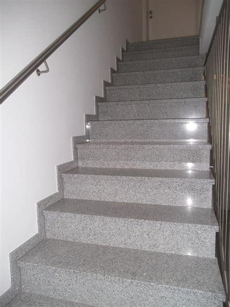 Treppen  Kast Fliesen