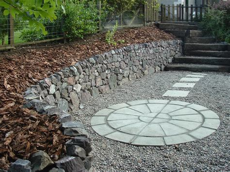 paving and gravel garden ideas garden paving ideas for small gardens 171 margarite gardens