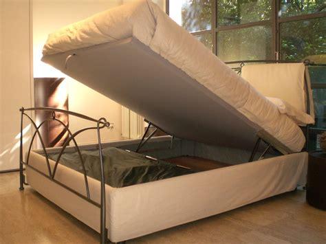 letto in ferro battuto con contenitore letto bontempi occasione letti a prezzi scontati