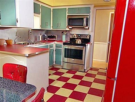 mommas kitchenbold red mint green retro kitchen