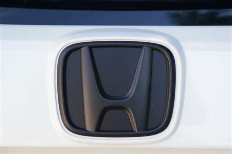 plasti dipped   honda civic hatchback emblem