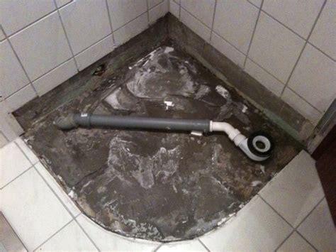 Badezimmer Fliesen Undicht couchtisch dusche undicht dusche undicht wasserschaden