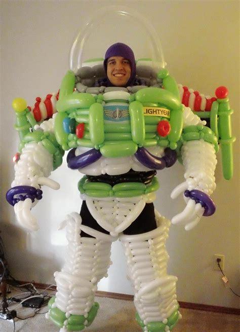 buzz lightyear costume     balloons