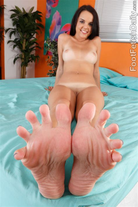 Dillion Harper Likes To Pleasure A Cock With Her Feet 1 Of 1