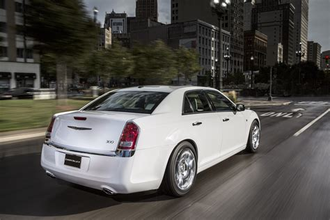 Chrysler 300 Motown Edition by 2013 Chrysler 300 Motown Edition Review Top Speed